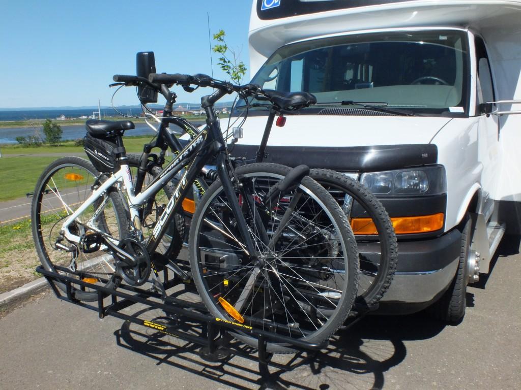 Minimus muni d'un support à vélo